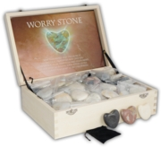 WORRY STONE,Heart Shape Polished In Bag Wood Box CDU